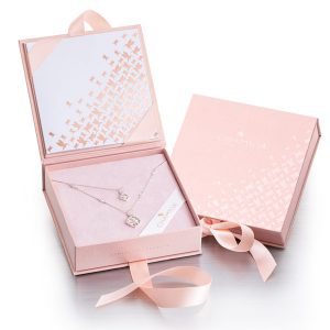Chamilia Mother's Day gift set