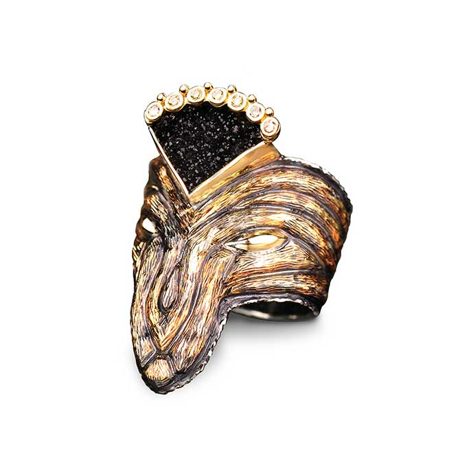 Margisa Wolfs Queen ring