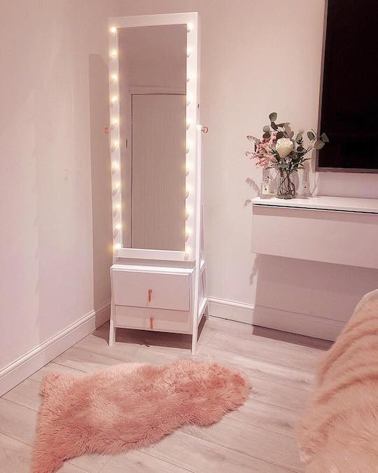 White lighted jewelry armoire