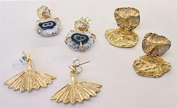 crown nine gold earrings