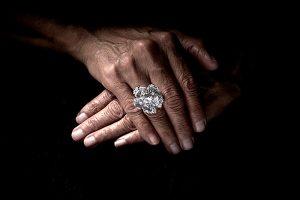 Diamond Foundry x Anabela Chan diamond Bloom ring