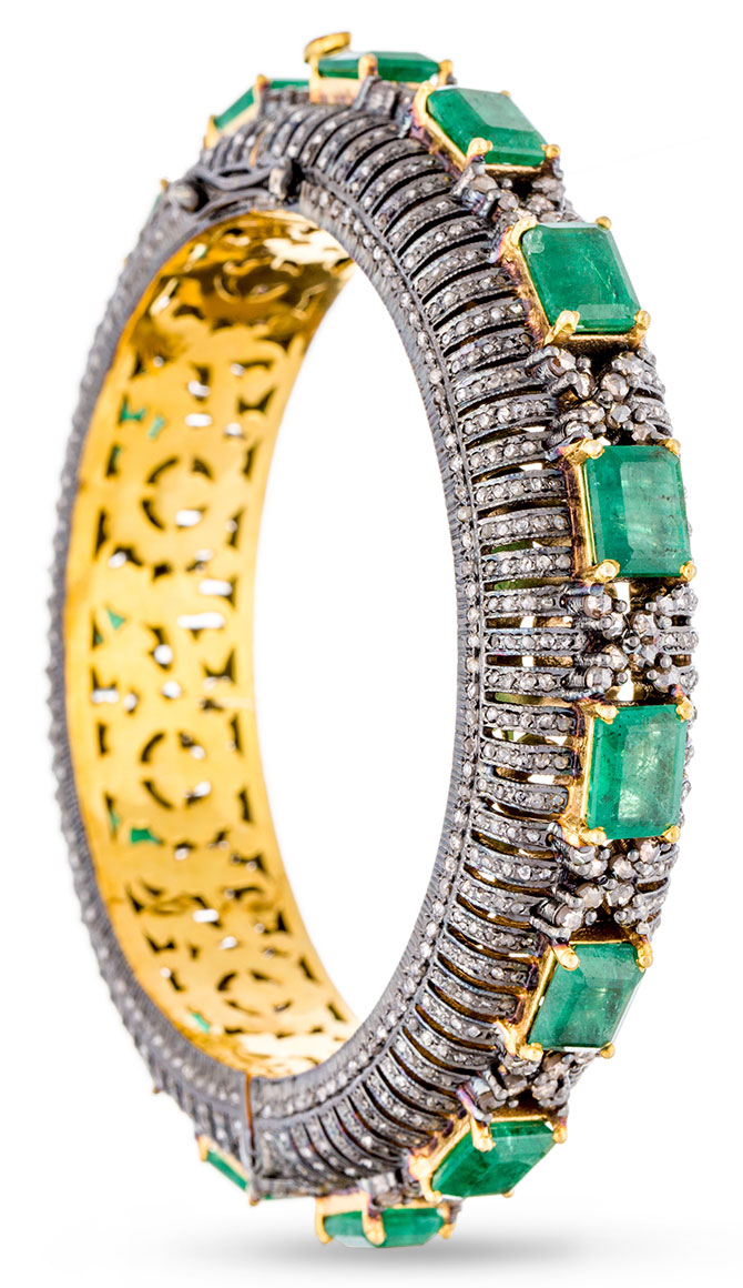 modern moghul emerald risha bracelet