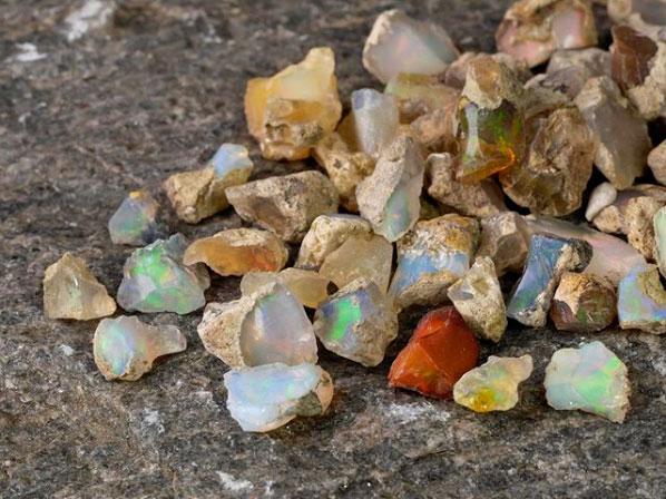 throwin stones ethiopian opal
