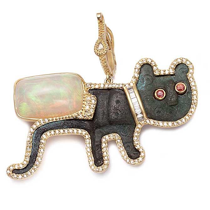 Coomi cat pendant