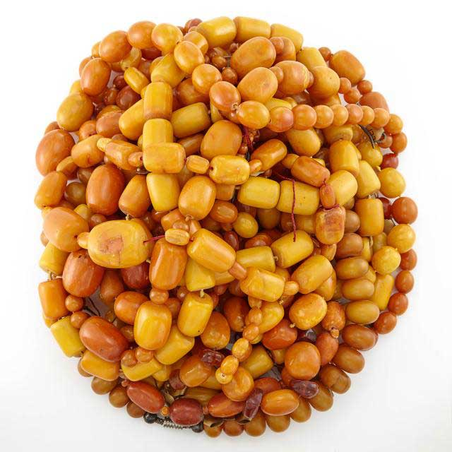 Doyle auction yellow amber beads