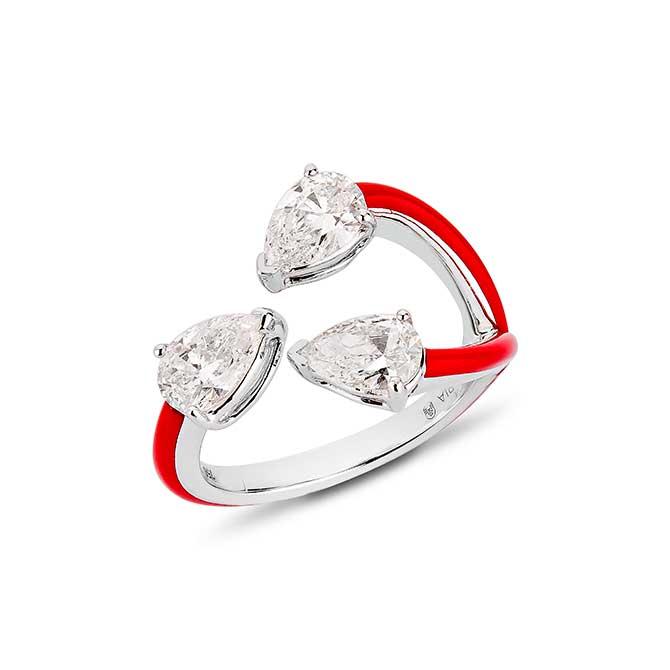 Etho Maria three stone pear shape ring