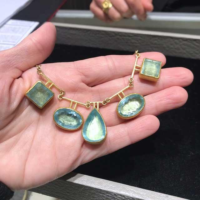 Petra Class aqua necklace