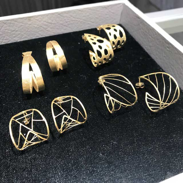 Petra Class hoop earrings