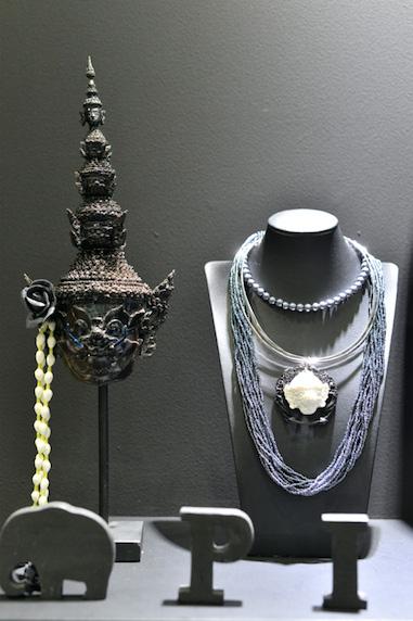 Piroon jewelry