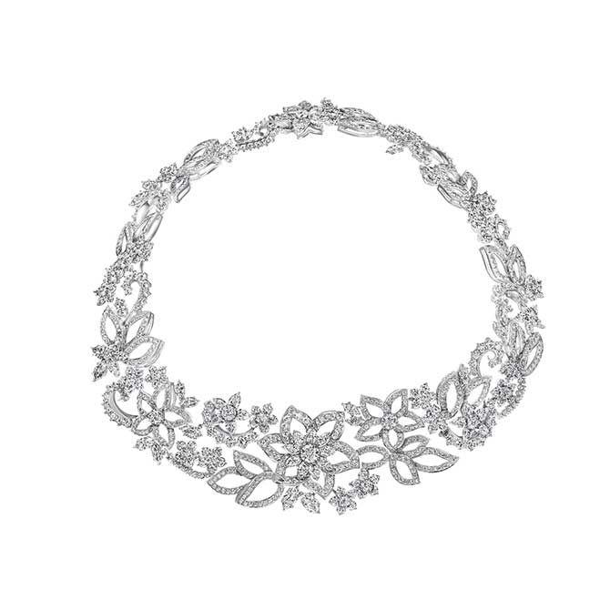 Sarah Paulson Oscars necklace