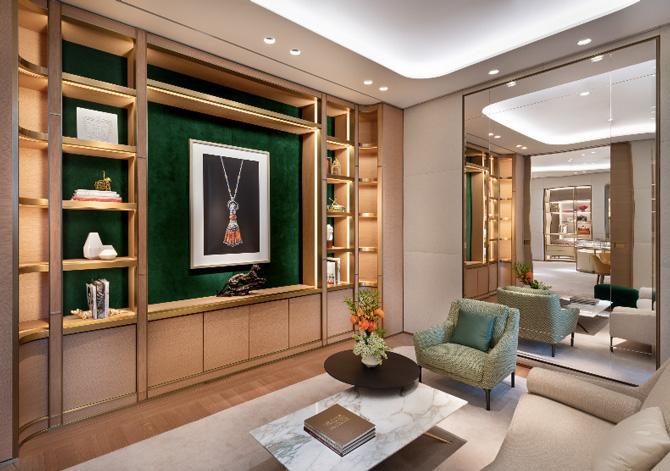 Cartier Hudson Yards shelves