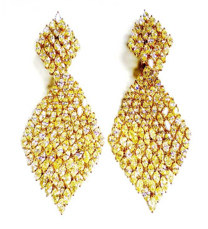 Etho Maria yellow diamond earrings