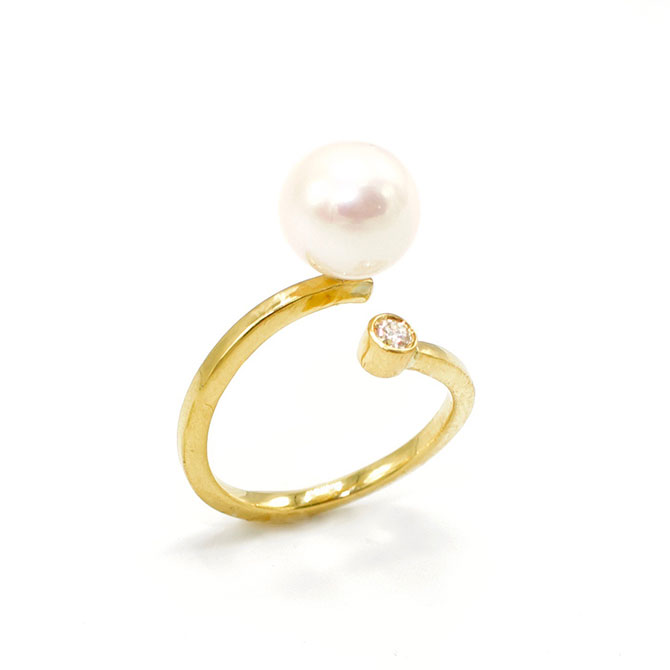 Katey Walker pearl ring