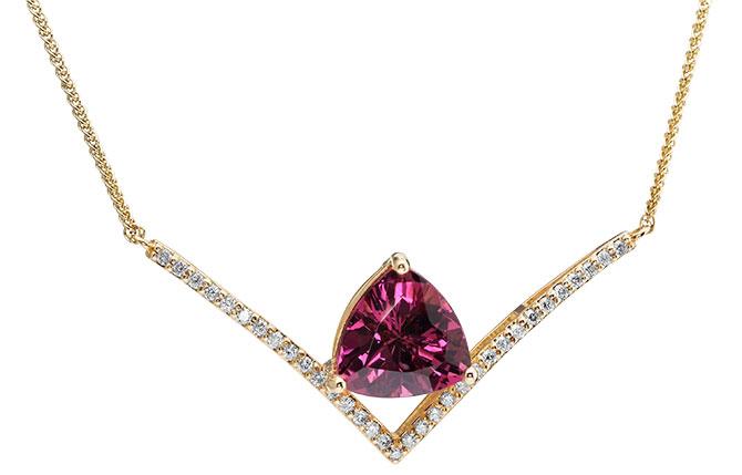 Parle necklace garnet