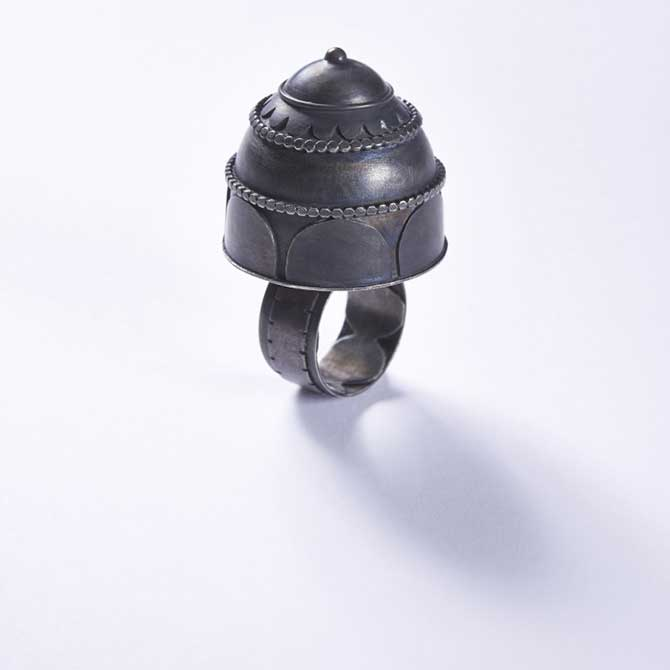 Kira Fritsch ring in blackened silver