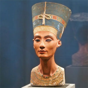 Queens of Egypt NGS bust