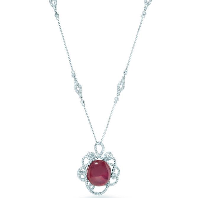 VTse cabochon necklace