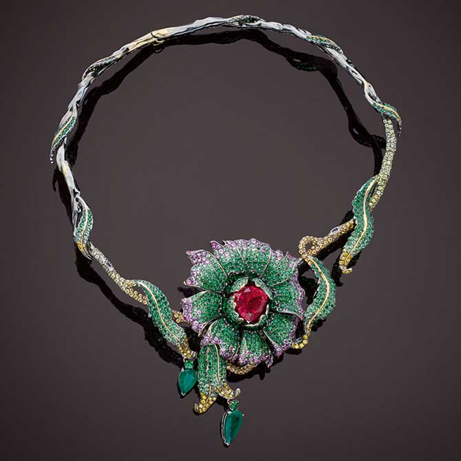 Wendy Yue Hollyhock necklace