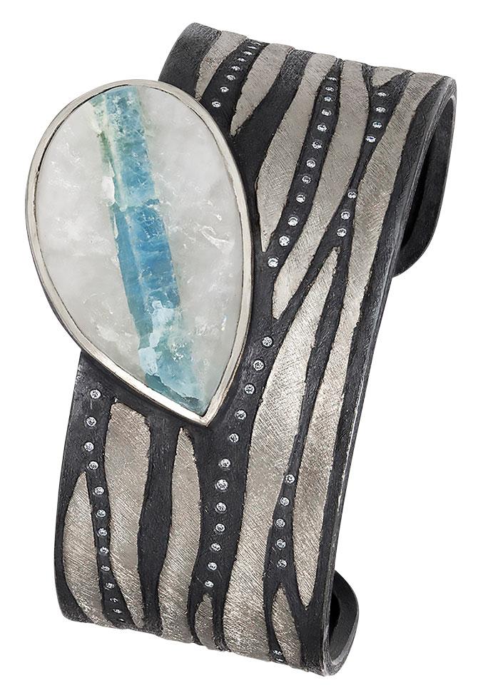alishan aquamarine crystal cuff