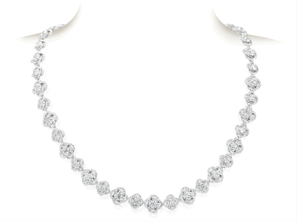 A Link diamond necklace