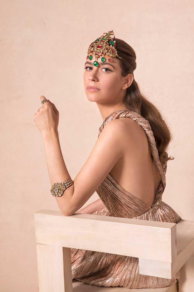 Amanda Alagem in Christies jewelry