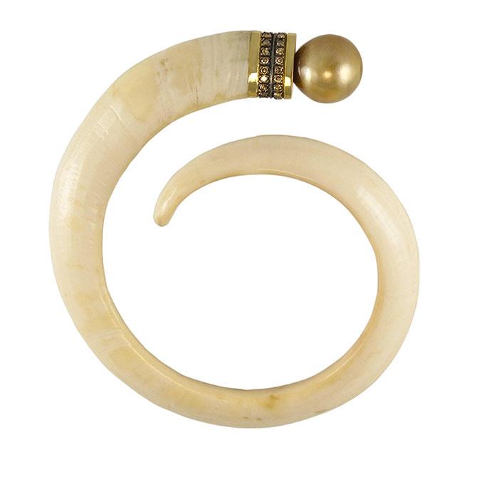 Anomy pearls bracelet