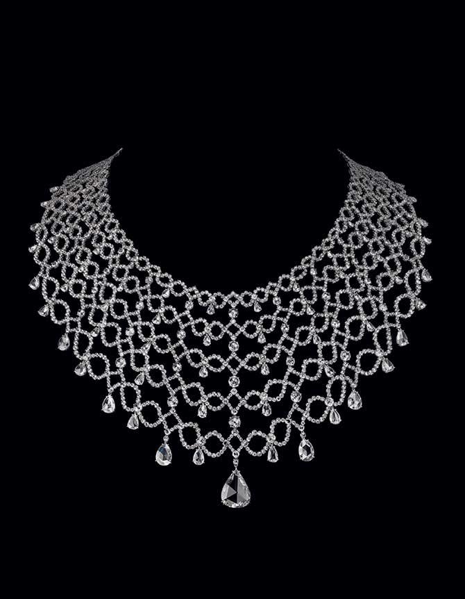 Carnet Michelle Ong Pompadour diamond necklace