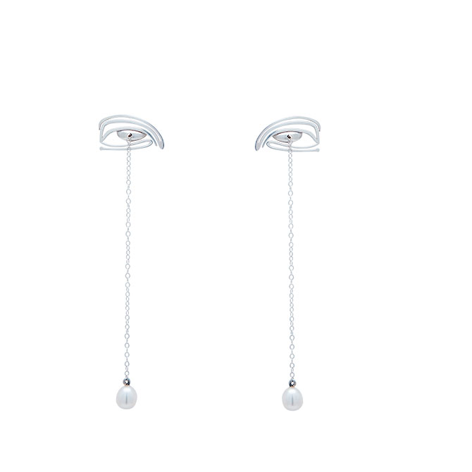 Lieu Collections pearl earrings