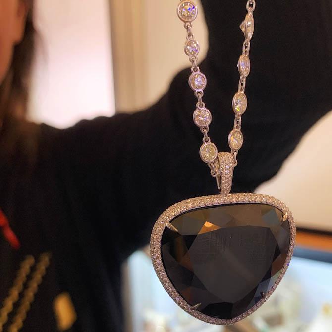 VTse black diamond heart pendant