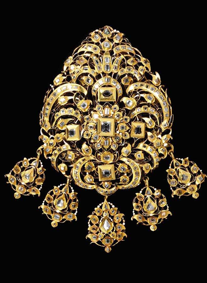 17th c gold enamel diamond brooch