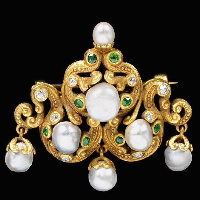 Freshwater pearl brooch