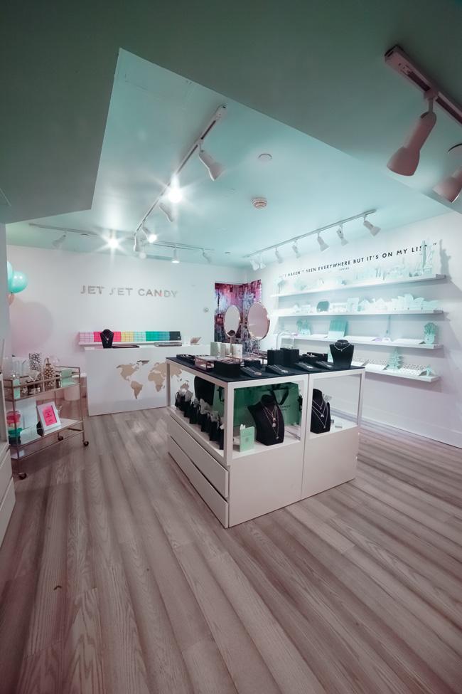 Jet Set Candy interior