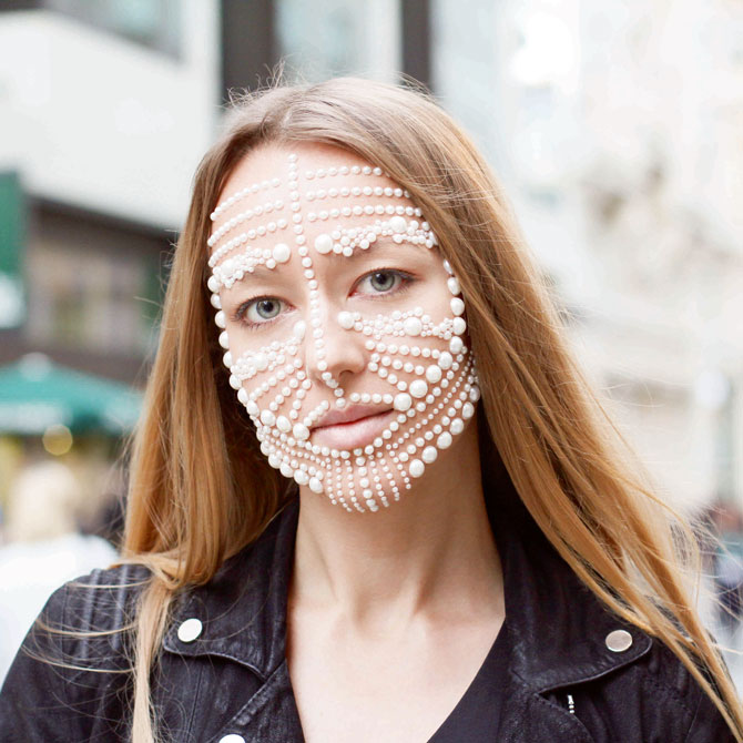 liza Urla London Fashion Week pearls