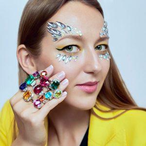 Liza Urla in Oscar Heyman jewels