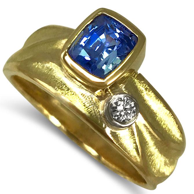 K.Mita sapphire ring