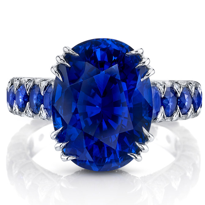 Omi Prive sapphire ring