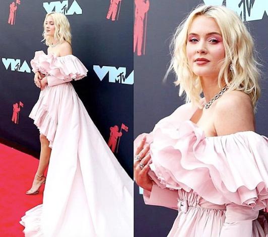 Zara Larsson VMAs