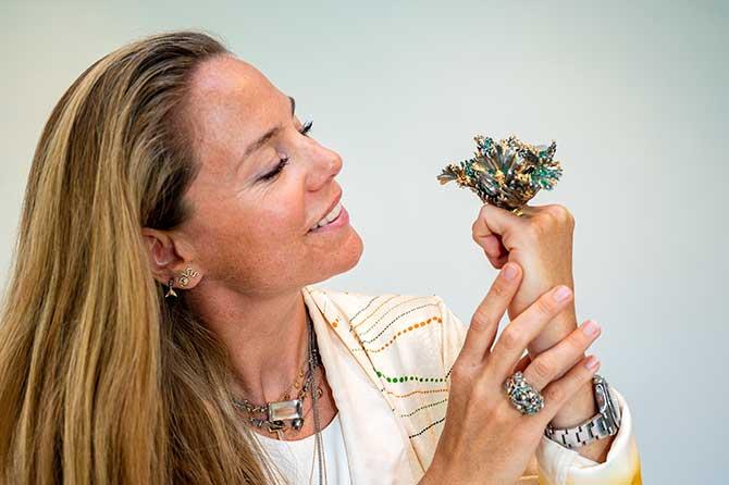 Bibi van der Velden with ring