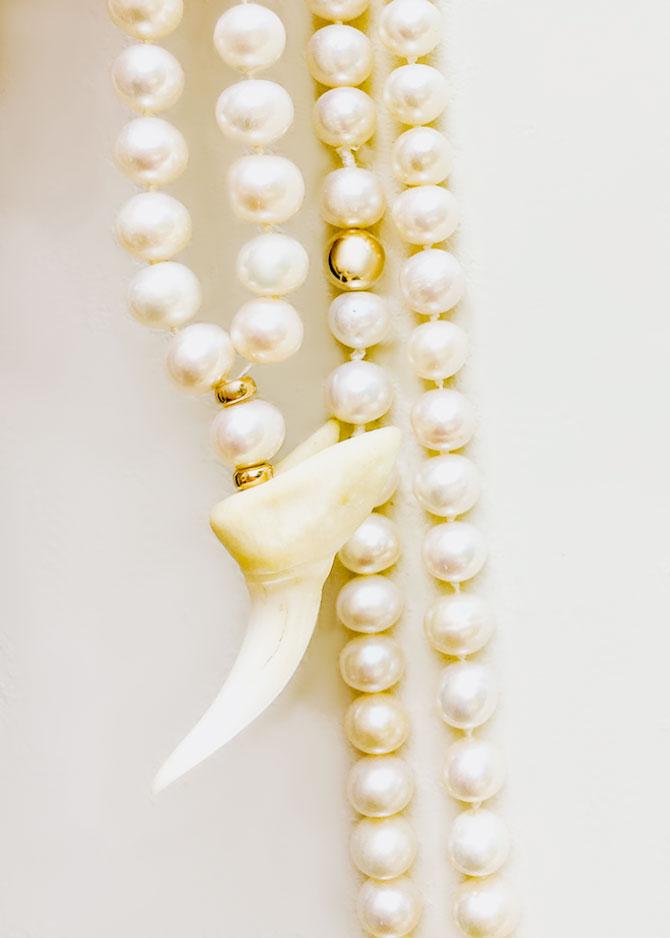 Anomy pearls