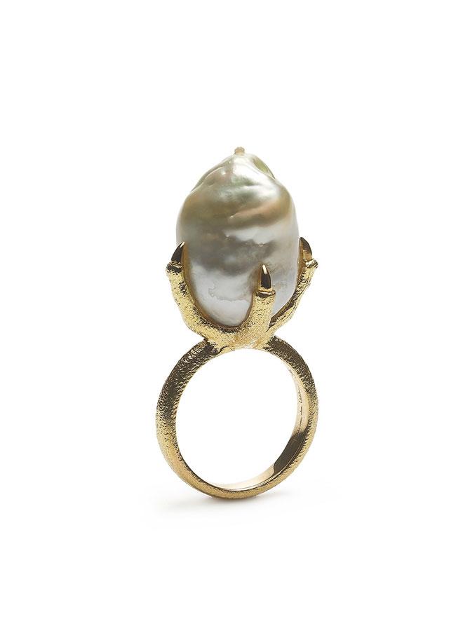 Bibi van der Velden Claw ring