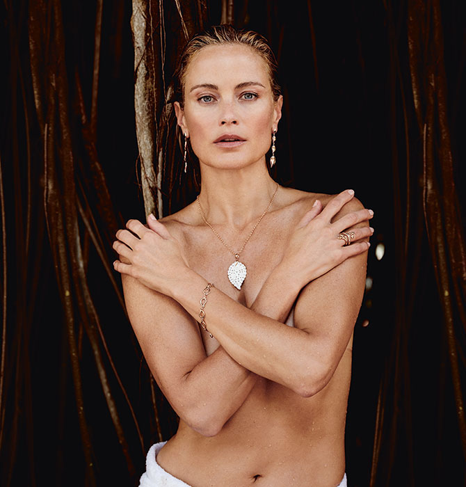 Carolyn Murphy topless in Tamara Comolli jewelry