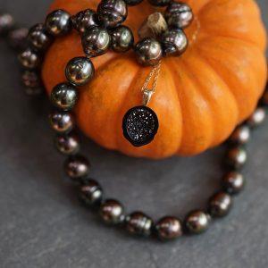 Little h pearl necklaces