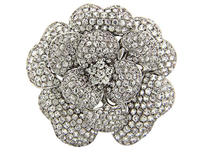 Dilamani white sapphire flower ring