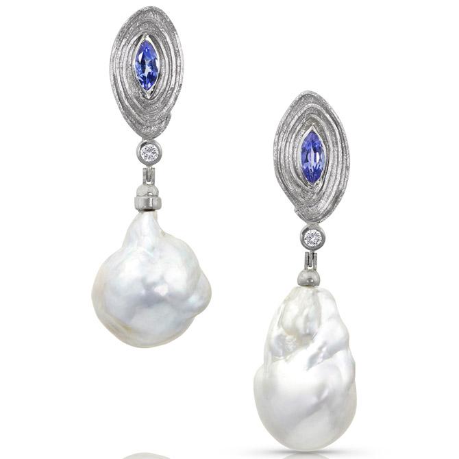 Alishan platinum pearl earrings