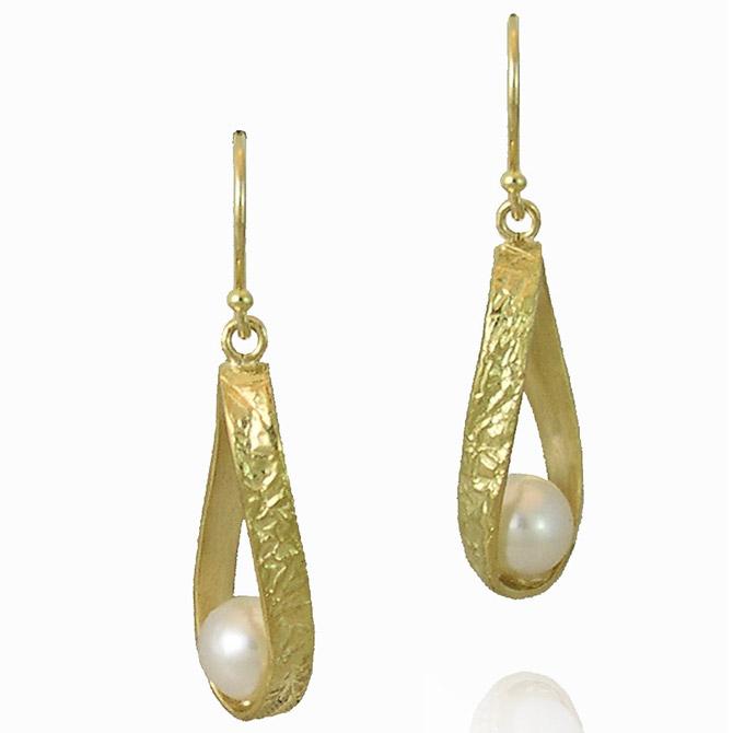 K Mita Washi pearl earrings