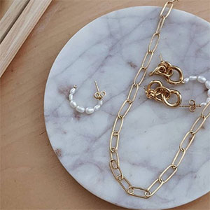 Canadian Jewelry Brand Mejuri Plans For Ipo In The Near Future Jck