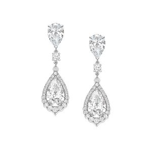 Atelier Swarovski created diamond earrings worn by Penelope Cruz