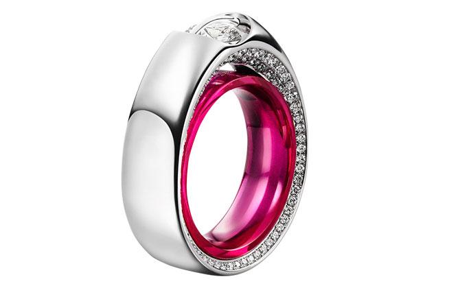 EI choice Schaffrath Crossover platinum ring red corundum inlay
