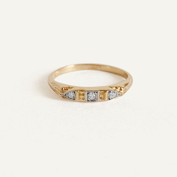 Kinn Vintage gold and diamond ring