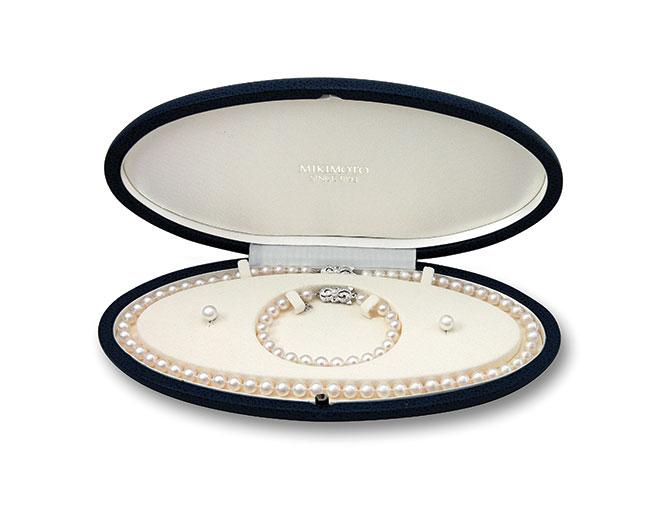 Mikimoto pearl set
